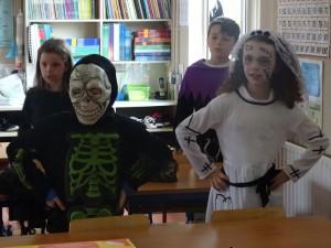 16 halloween costumes (14)