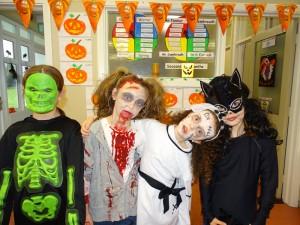 16 halloween costumes (25)