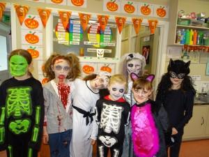 16 halloween costumes (26)