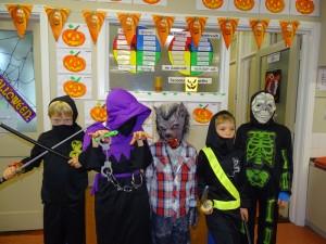 16 halloween costumes (27)