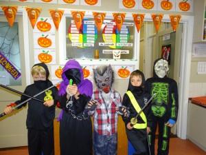 16 halloween costumes (28)