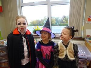 16 halloween costumes (31)