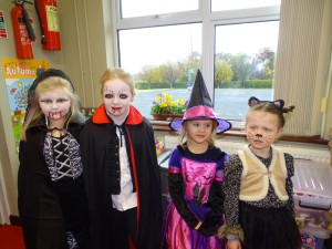 16 halloween costumes (32)