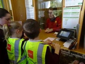 Visit to Post Office 2017 DSC07604 (3)